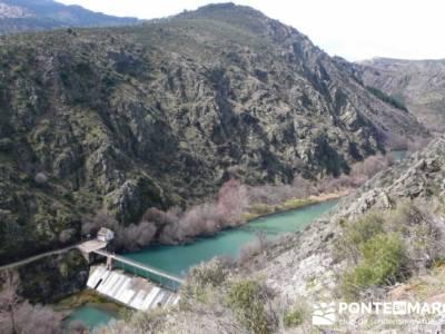 Travesía de senderismo desde El Atazar a Patones - Presa de La Parra; donde nace el rio jarama; la
